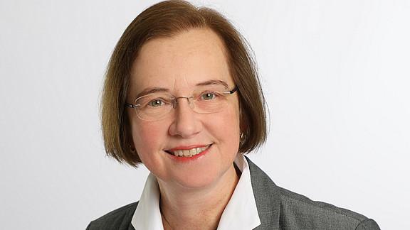 Schrott, Angela