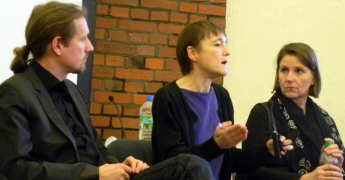 Dr. Steinseifer, Dr. Arras und Heike Bradl im Plenum